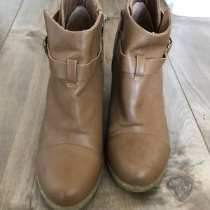 LC Lauren Conrad tan booties